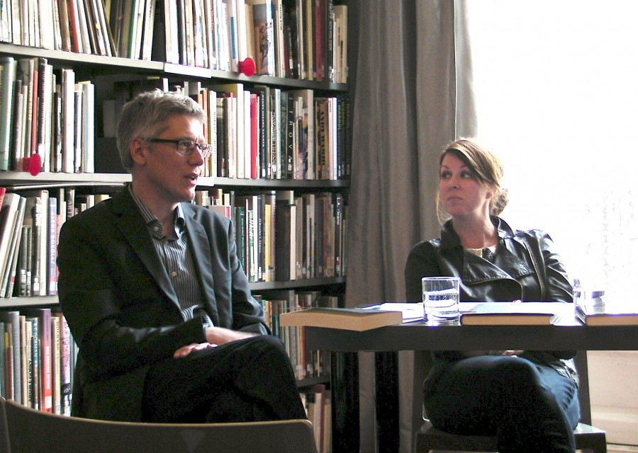 "Scholars Christopher Decker (left) and Jennifer Greenhill participate in the 2014 roundtable discussion ""The United States Seen by Europe: Writing on American Visual Culture"" at the Terra Foundation Paris Center & Library."